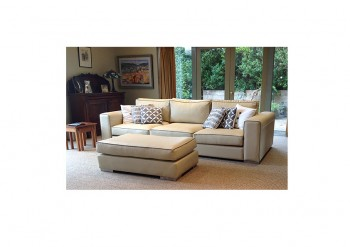 Granada Sofa in Leather with Contrast Piping